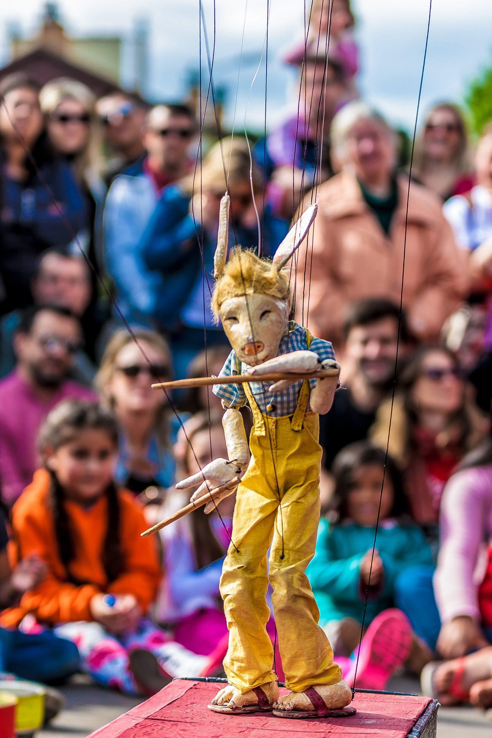 Kleiner Wolf Minski. Marionettenvarieté